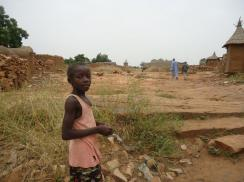 AÏssata dans son village - Octobre 2011