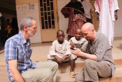 Oumar et Ibrahim avec Dr. Coadou et Dr. Renault