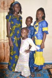 05.10.2014 - Salif et ses soeurs à la fête de Tabaski