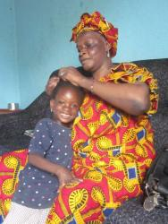 Fatoumata et sa grand-mère