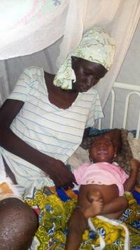 Kamba et son bébé avant sa prise en charge